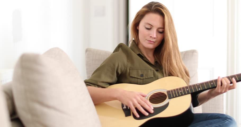 Les femmes, l'avenir de la guitare !