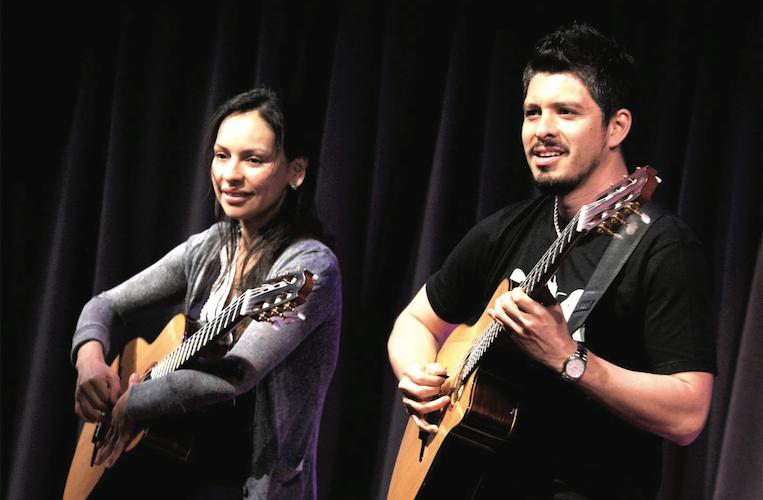 Rodrigo y Gabriela: Metal fondu